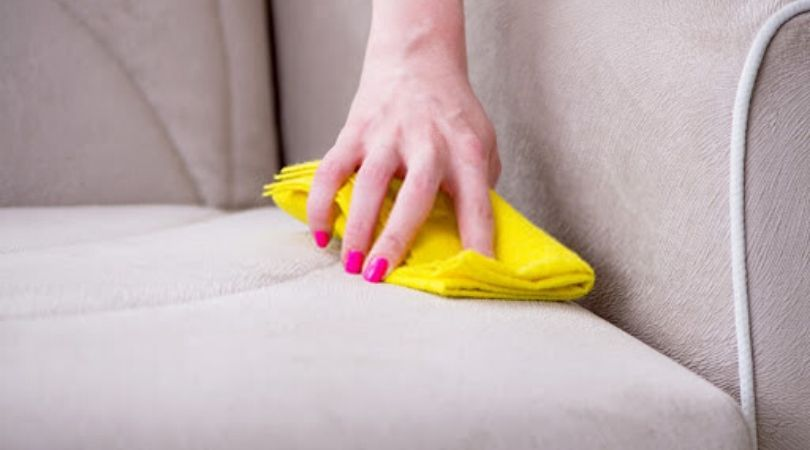 Upholstery cleaning DIY